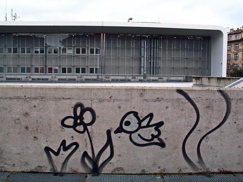 Praga-Zizkov juntoa la TV Tower