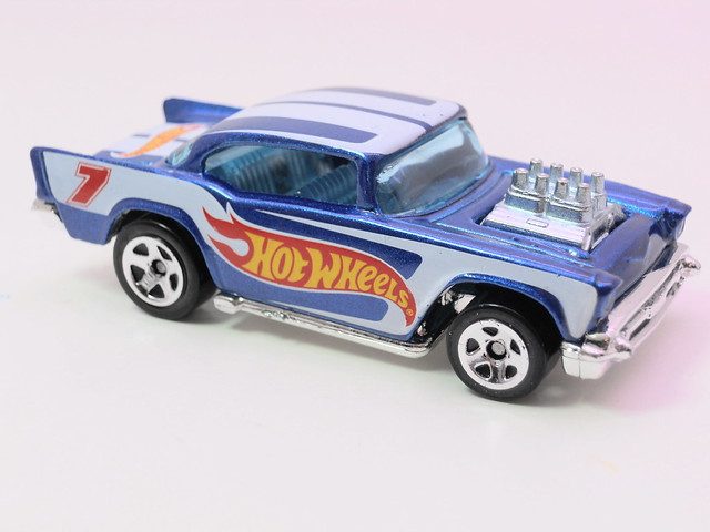 hot wheels racing '57 chevy (2)