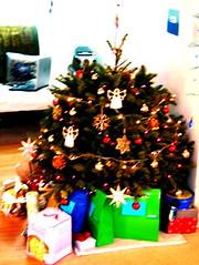 Blurry shot of 2006's tree