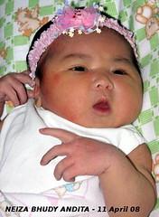 Neiza Born