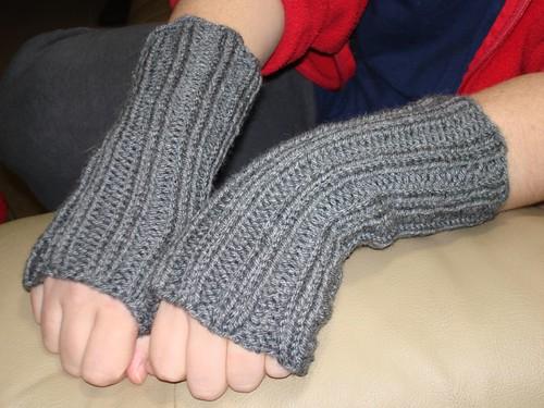 fingerless mitts 11-8-2007 12-46-27 AM