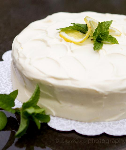 Lemon Curd & Cream Layer Cake