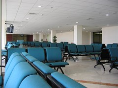 ruang tunggu bandara surabaya