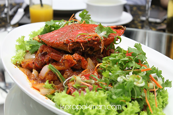 Wok-Fried Chili Sri Lankan Crab Served with Fried Mantou