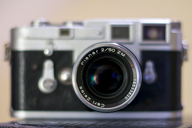 leica m3 with carl zeiss lens