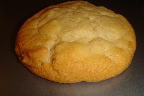 Mmmm-White Chunk Macadamia