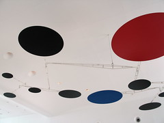Red, Black, Blue, Calder Sculpture, Milwaukee Art Museum, Wisconsin, May 2008, photo © 2008 by QuoinMonkey. All rights reserved.