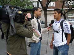 Sebas Guim, periodista de TV3, entrevista a un madrista filipino