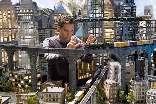 Brian Singer planeando una de las escenas de Superman Returns.