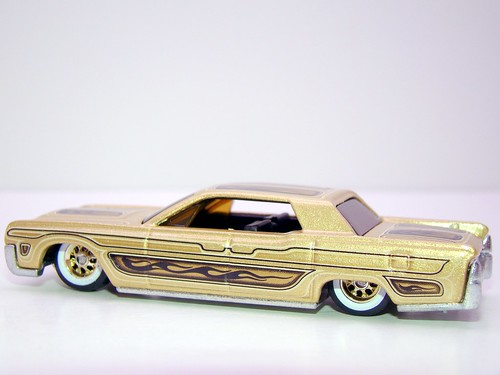 hot wheels waynes garage '64 lincoln continental (13)