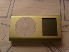 green ipod mini
