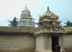 Vinayahar Shrine and the main Vimanam