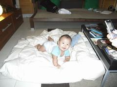 Joshua & the quilt - RIMG0132