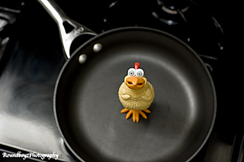 frying chicken by RoundboyzPhotography