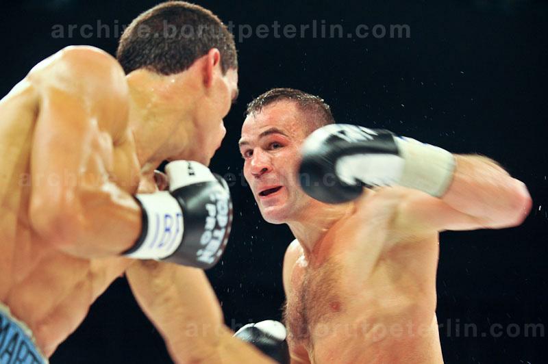 Dejan Zavec vs. Rodolfo Ezequiel Martinez 20100409_8671