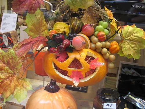 Le vetrine addobbate per Halloween
