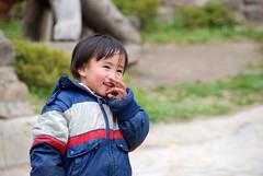 搶我餅乾飲料的可愛的泰雅族小朋友