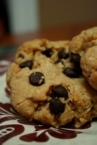 Big Gigantoid Crunchy Peanut Butter-Oatmeal Cookies