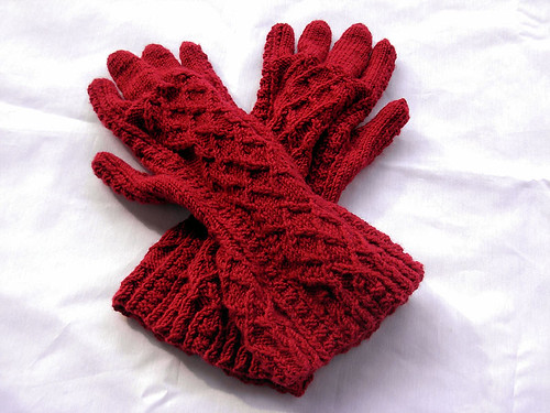 twisted stitch gauntlets