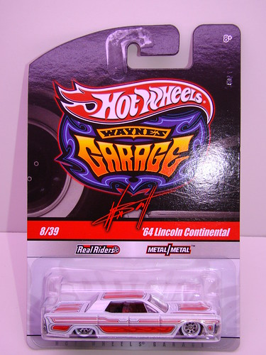 hot wheels waynes garage '64 lincoln continental (3)
