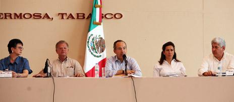 El Presidente Calderón en la Reunión de Evaluación por las Inundaciones en el Estado de Tabasco