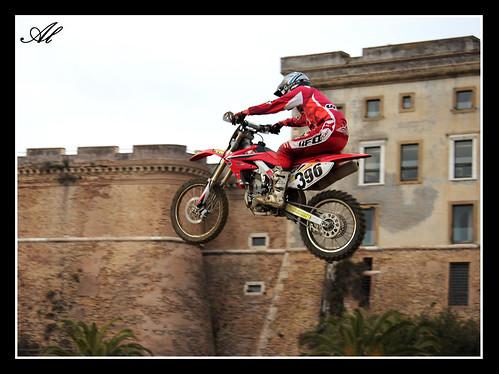 Moto12