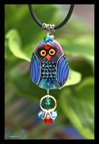"""BINDI BIRD"" fused glass pendant by Sandra Miller ©2009"