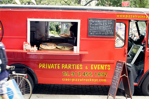 Vinny Vincenz Pizza truck