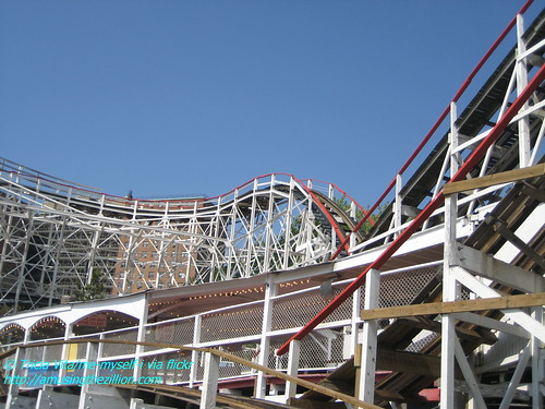 Cyclone Roller Coaster, View #3. Photo © Tricia Vita/me-myself-i via flickr