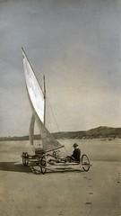 Zeilwagen op het strand, 1917 / Sand yacht on the beach, 1917.