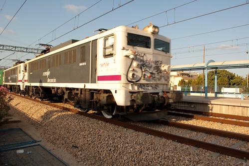 Tren de mercancías a toda velocidad
