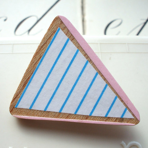 Lucie Ellen Brooch Triangle Pink&Blue Stripes