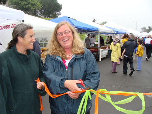 Mayor Kirk Cuts Ribbon At Cape Ann Farmers Market