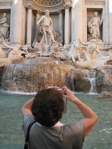 Fontana y turista