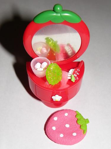 #4 Strawberry Dresser