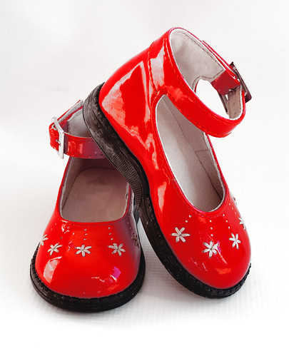 Red baby girl patent leather shoes
