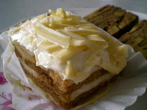 Bandong cheese batik cake