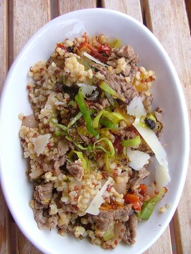 insalata tiepida di bulghur e quinoa