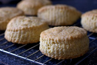 shortcakes, cooling