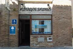 Fachada del «Albergue Zaldiko» en Zubiri