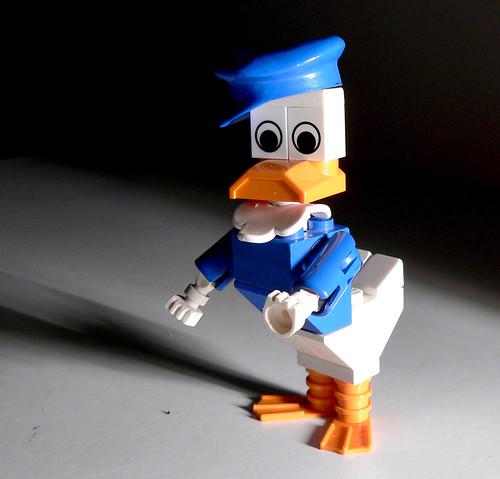 LEGO Donald Duck figure