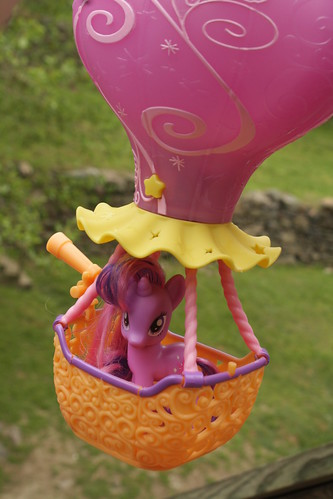 My Little Pony: Friendship is Magic- Twilight Sparkle with Hot Air Balloon