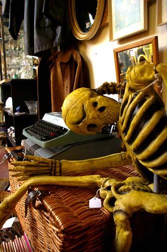 skellington typist