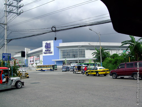 SM Fairview view from intersection Quirino Hway and Belfast St. Fairview