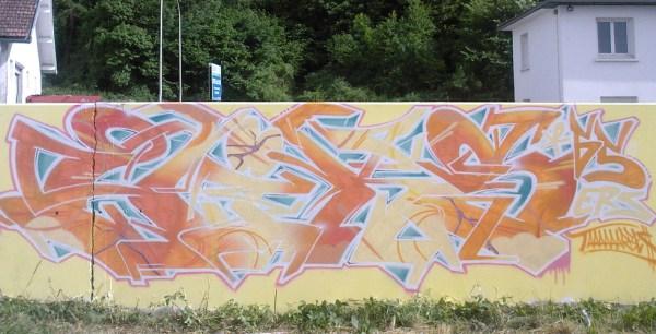 graffiti lourdes 65