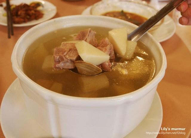很清爽,但又不會淡而無味,很能襯托其他菜餚的一道湯品。