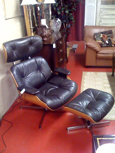 The Estate of Things chooses Eames Lounge Chair Reproduction