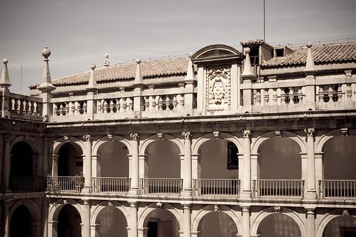 Patio Santo Tomás de Villanueva (VI)