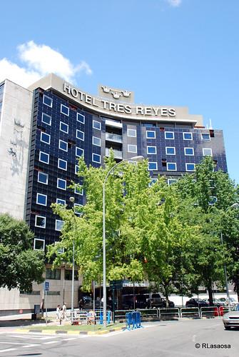 Fachada del «Hotel Tres Reyes», en la Avenida de las Navas de Tolosa