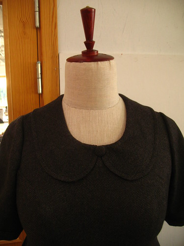 wool balloon dress - close up